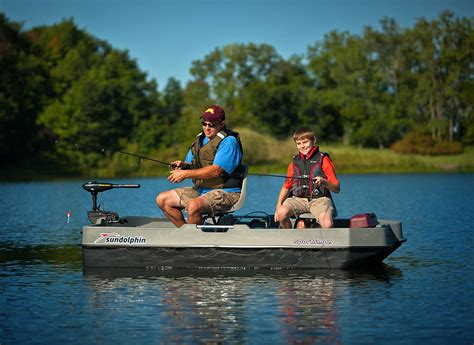 Sun Dolphin Boats Reviews by Sun Dolphin Sportsman Fishing Boat Review Fishin Things