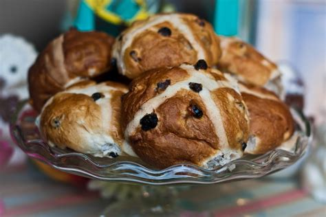 The holiday of easter is associated with various easter customs and foodways (food traditions that vary regionally). Hot Cross Buns: A Traditional Irish Recipe for Easter   Explore Blarney Blog