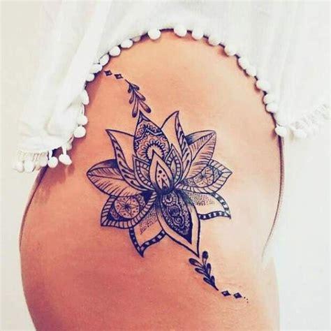 tatouage de tatouage de femme tatouage fleur de lotus noir et gris sur cuisse fleur de lotus noir et