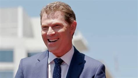 Bobby Flay Net Worth 2020, Bio, Age, Height, Wife, Kids ...