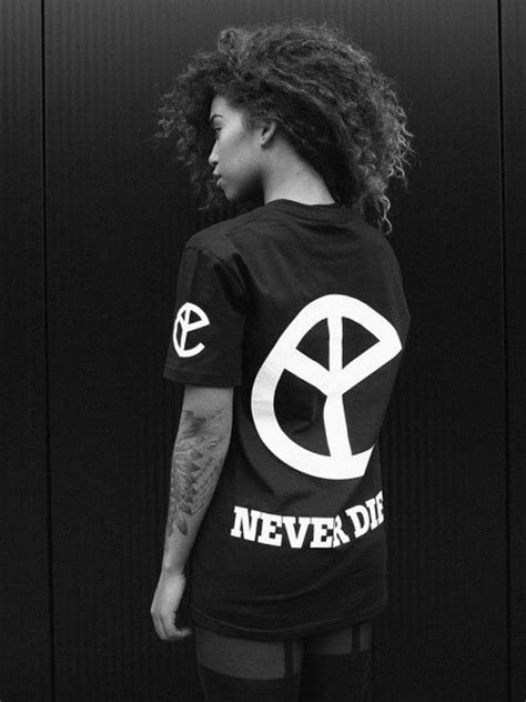 Kaos Yellow Claw Youth that yellow claw never dies t shirt merch