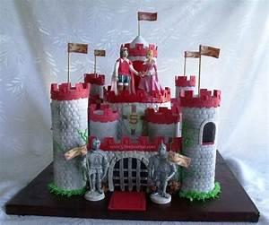 Das ritterliche Essen zum Geburtstag: Ritterburg Torte