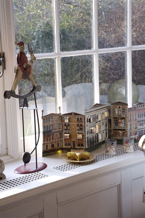 ideas for decorating window sills at christmas for church decoration photos design ideas remodel and decor lonny