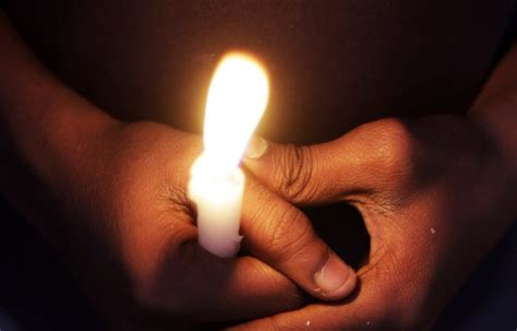 Reliģiskās pārliecības dēļ vecāki ļauj nomirt nepilnu gadu vecajai meitai - Tauta Runā