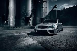 mercedes-benz c63 amg black series t-modell silver color