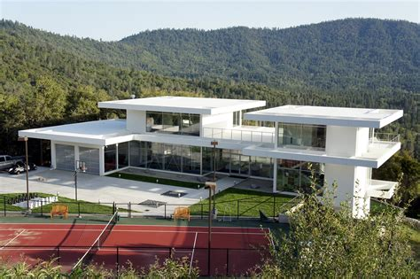 25 amazing modern glass house design