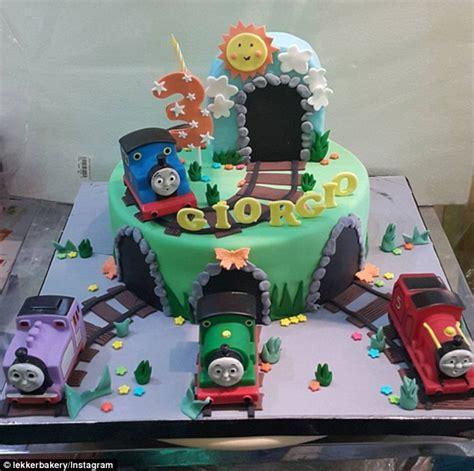 childrens birthday cakes daily mail
