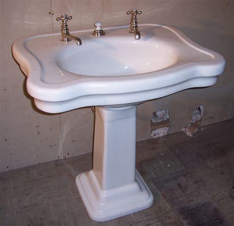 bathroom sink consoles vintage 10 classic pieces vintage pedestal sink homeideasblog com