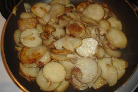 fried potatoes frying the secret to hash browns home fries breakfast potatoes seasoned advice