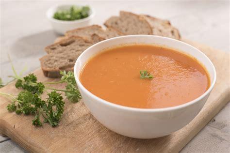 cuisiner celeri recette soupe de tomates aux boulettes bien de chez nous