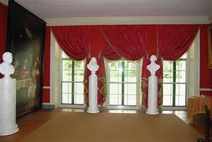 Red and green velvet curtains valances pillars black for for Red velvet curtains living room