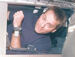 Space Today Online: Astronauts Sleep in Orbit