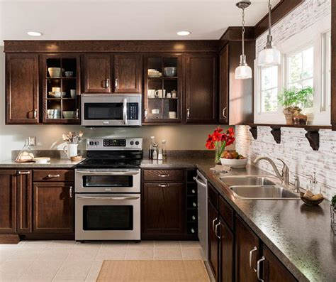 maple wood cabinets  traditional kitchen aristokraft