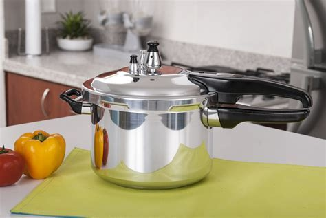 10 Essential Kitchen Appliances for Small Kitchens