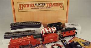 Lionel Corporation Tinplate Christmas No 269E Distant