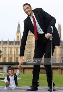 Tallest and Shortest Man in the World