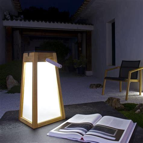 le solaire a poser lanterne de jardin solaire tecka sel les jardins zendart design