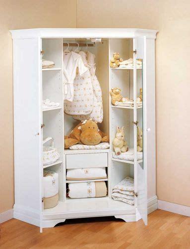 armoire angle chambre 472 best chambres de bébé images on