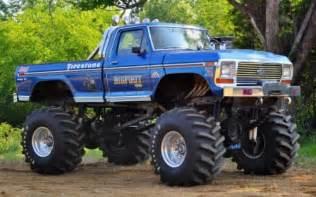 Old School Monster Trucks Bigfoot