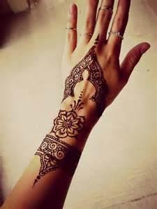 lantern wedding centerpiece les 25 meilleures idées de la catégorie mariage de henné