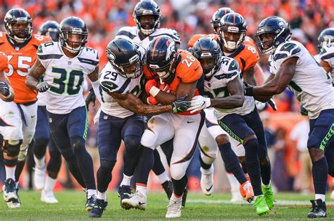 seattle seahawks  standouts  week   broncos