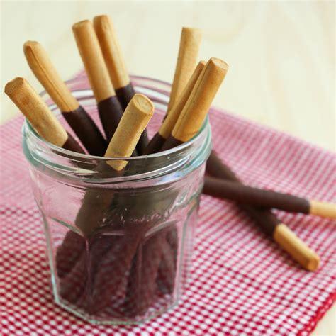Stik Loli Popcake Coklat pocky sticks recipe dishmaps
