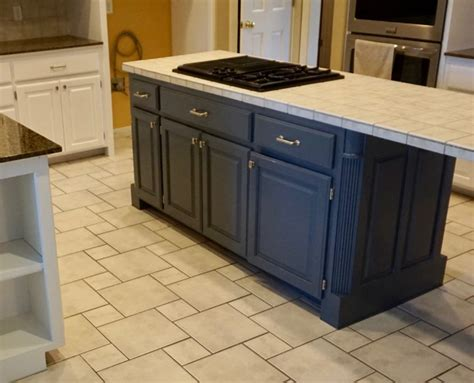 Island Kitchen Cabinet Painting by White Kitchen Cabinet Painting With Blue Accent Island
