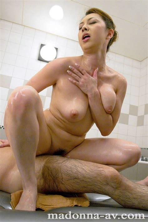 Yumi Kazama Sexy Japanese Milf Photo Gallery Porn Pics