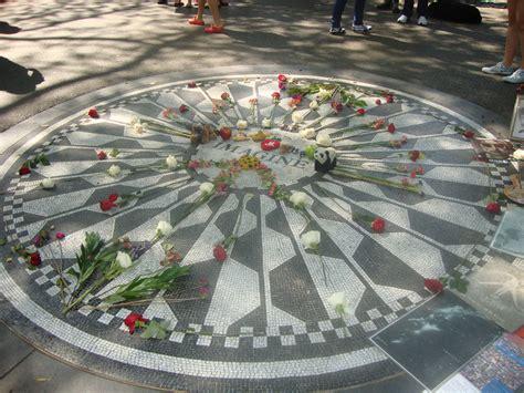 File:Strawberry Fields - Central Park 1a.jpg - Wikimedia ...