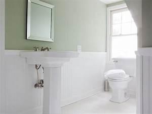 White Ceramic Tiles Bathroom With Elegant Minimalist ...