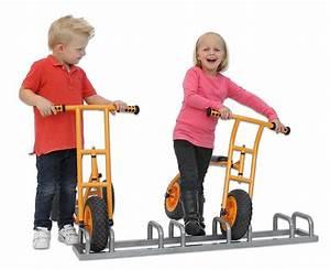 Kinderfahrzeuge Für Draußen : st nder f r fahrzeuge ~ Eleganceandgraceweddings.com Haus und Dekorationen