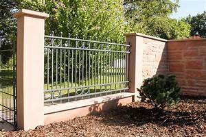 Mauer Zaun Kombination : mauer zaun selber bauen jede dritte reihe sind die betonsteine mit beton zu verfllen with mauer ~ Eleganceandgraceweddings.com Haus und Dekorationen