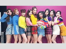 TWICE Chooses Memorable Moments From 2017 And Looks Ahead