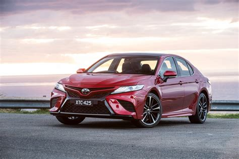 Toyota Camry Photo by 2018 Toyota Camry Pricing And Specs Photos