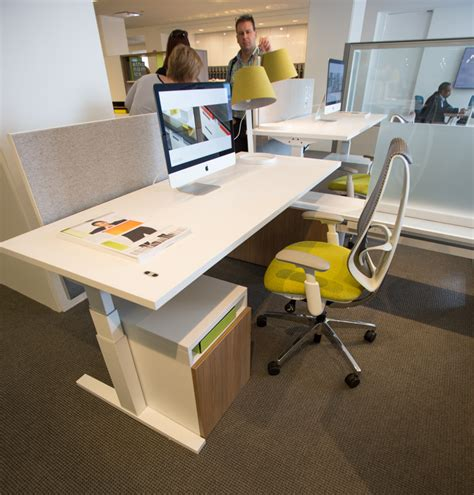 teknion upstage workstation with livello height adjustable desk and sabrina task chair neocon