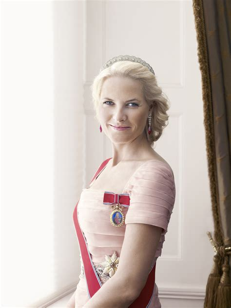 crown princess mette marit of norway (6)   The FashionBrides