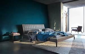 Grauer Boden Welche Möbel : trendige farben fabelhafte schlafzimmergestaltung in grau blau ~ Bigdaddyawards.com Haus und Dekorationen