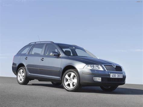 Škoda Octavia II Combi (2005) Auta na plochu, tapety na ...