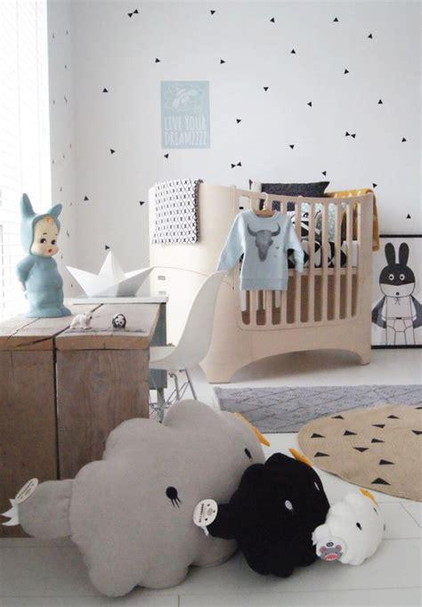 chambre bébé idée déco chambre mansardee deco inspiration pour chambre mansard e