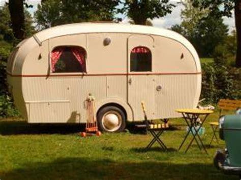 cing vintage au domaine du roc avec nos caravanes de