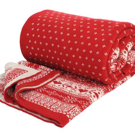 maison du monde plaid 40 plaids tout doux de 2 50 euros 224 79 euros plaid chalet tricot maisons du monde