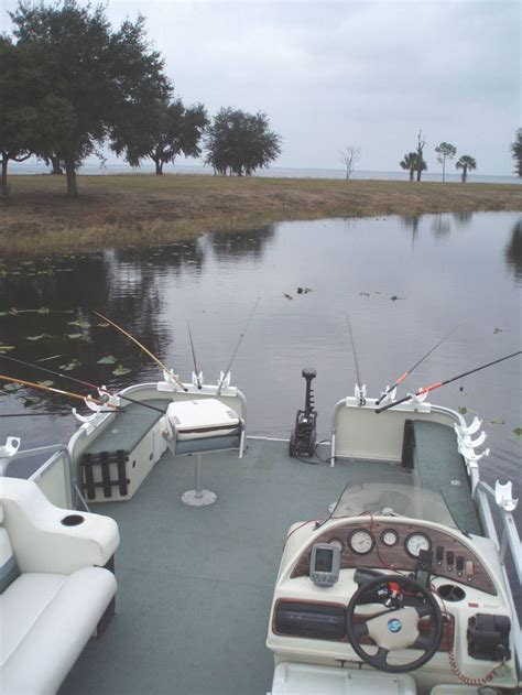 Crappie Fishing Boat Accessories by 25 Best Ideas About Pontoon Boating On