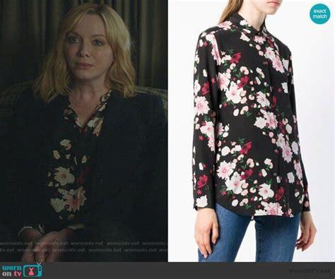 Beth's black floral print blouse on Good Girls | Floral ...