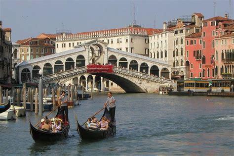 Gondola Ride + St Mark's Basilica Tour - Venice | Project ...