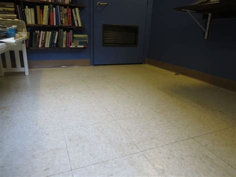 i covered this linoleum floor vinyl tiles for only 70 here is how to lay a new floor diy
