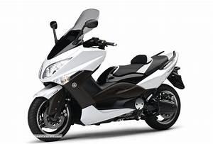 Permis Scooter 500 : pr sentation du maxi scooter yamaha t max 500 ~ Medecine-chirurgie-esthetiques.com Avis de Voitures