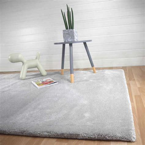 tapis haut de gamme moelleux gris clair