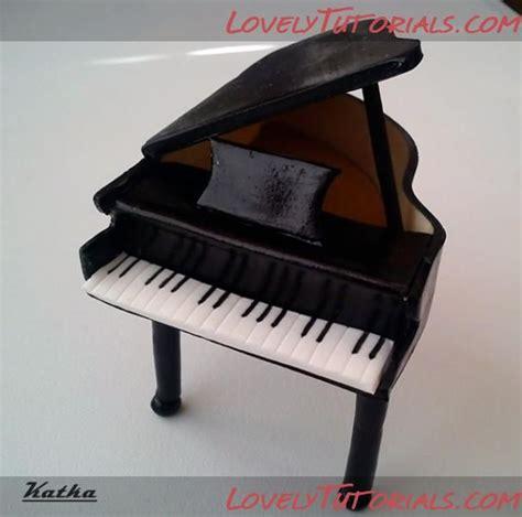 pin  lily   valley  zanimanja piano cakes cake