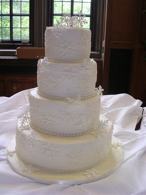 buttercream icing cake wedding cakes winter royal frosting snowflakes designs snowflake wonderland fountain weddings hartland residence mi private lakescakes discover