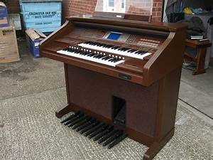 Used Yamaha AR100 Organ